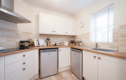 TO RENT - Birch Court, 44 Sway Road, Morriston, Swansea, West Glamorgan, SA6 6HU