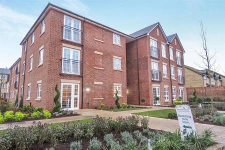 TO RENT - Parkland Place, Shortmead Street, Biggleswade, Bedfordshire, SG18 0RE