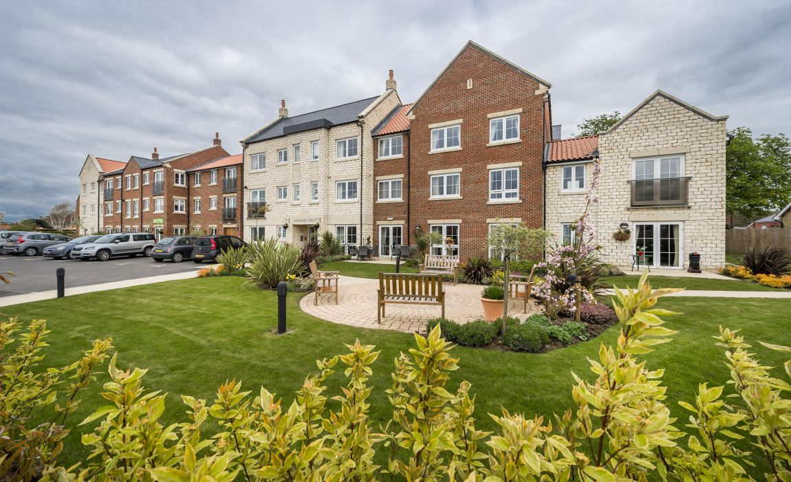 TO RENT - Ryebeck Court, Pickering, Yorkshire, YO18 7FA