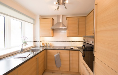 TO RENT - Beckside Gardens, Guisborough, Cleveland, TS14 6DY